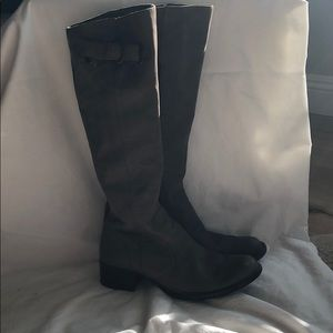 Barely worn Born Crown boots with stripe detail